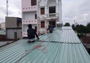 lop mai ton 300x211 - Sửa Nhà Tín Nghĩa